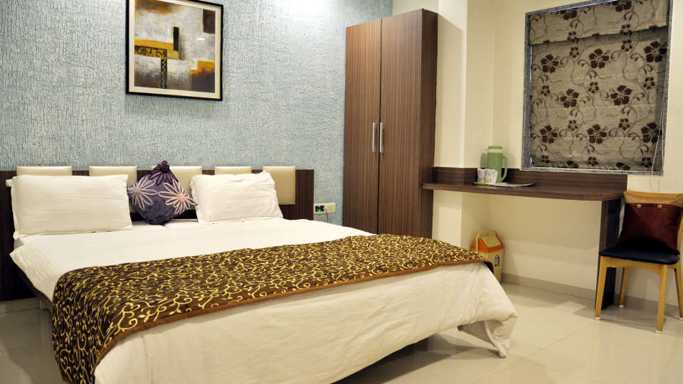 Superior Room Hotel Jyoti - Rajkot Gujrat 1