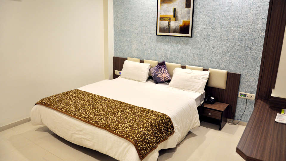 Superior Room Hotel Jyoti - Rajkot Gujrat 2