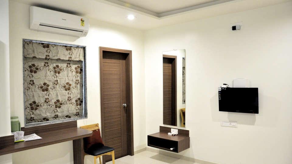 Superior Room Hotel Jyoti - Rajkot Gujrat 3