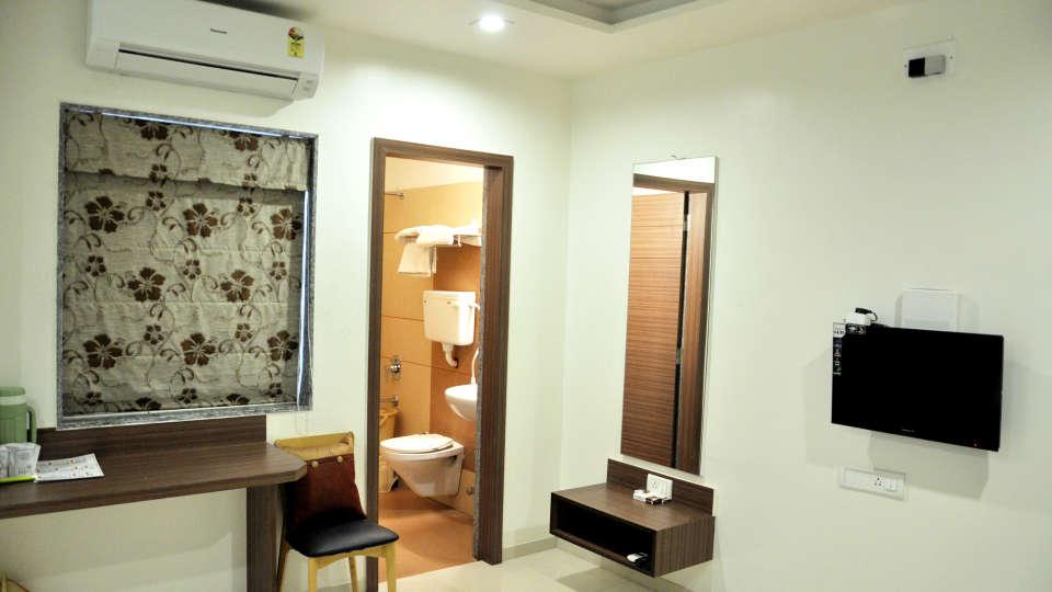 Superior Room Hotel Jyoti - Rajkot Gujrat 4