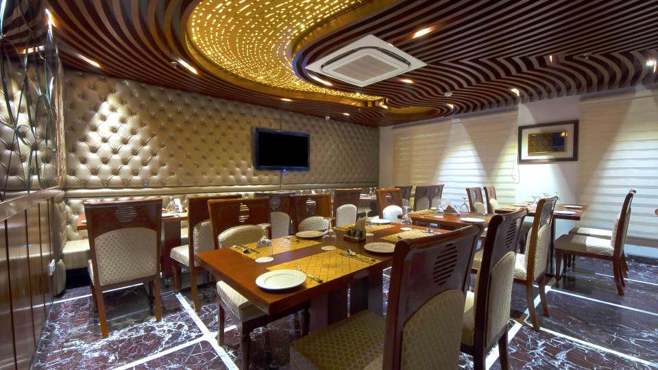 Hotel Swaran Palace, Karol Bagh, New Delhi New Delhi restaurant Hotel Swaran Palace Karol Bagh New Delhi