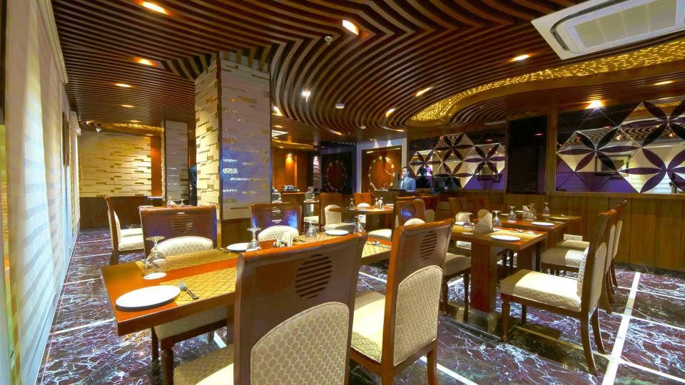 Hotel Swaran Palace, Karol Bagh, New Delhi New Delhi retaurant 2 Hotel Swaran Palace Karol Bagh New Delhi