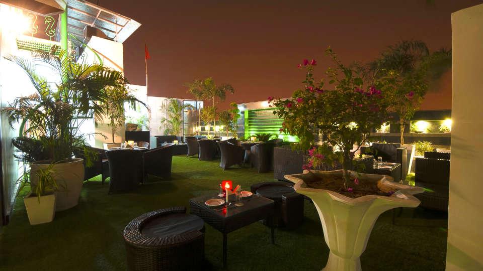 Hotel Swaran Palace, Karol Bagh, New Delhi New Delhi roof top 5 Hotel Swaran Palace Karol Bagh New Delhi