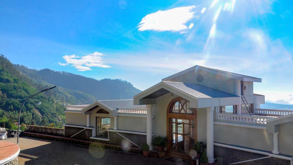 Hotel Main Entrance at La Montana by TGI