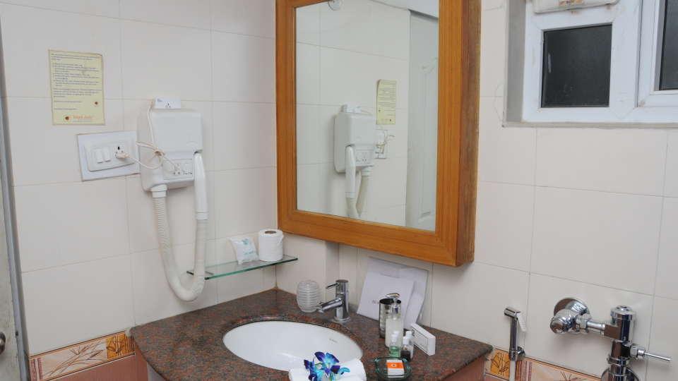 Maple Suites Serviced Apartments, Bangalore Bangalore Washroom Maple Suites Serviced Apartments Bangalore