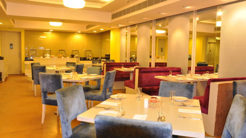 cafe 9 restaurant at Hotel Sarovar Portico Naraina