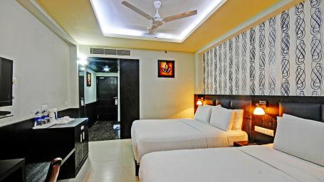 3. S Dlx Room