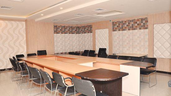 24 Meeting Room