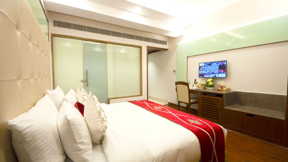 Hotel Swaran Palace, Karol Bagh, New Delhi New Delhi Executive Club Room Hotel Swaran Palace Karol Bagh New Delhi