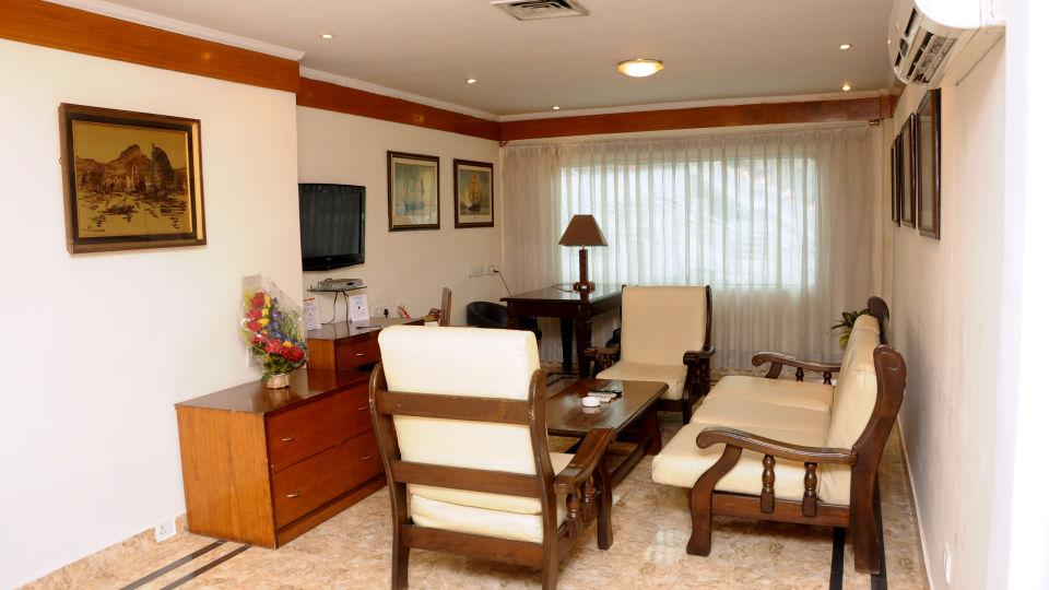 Suites in kolkata  Floatel Kolkata Kolkata  Budget Hotels in Kolkata 3