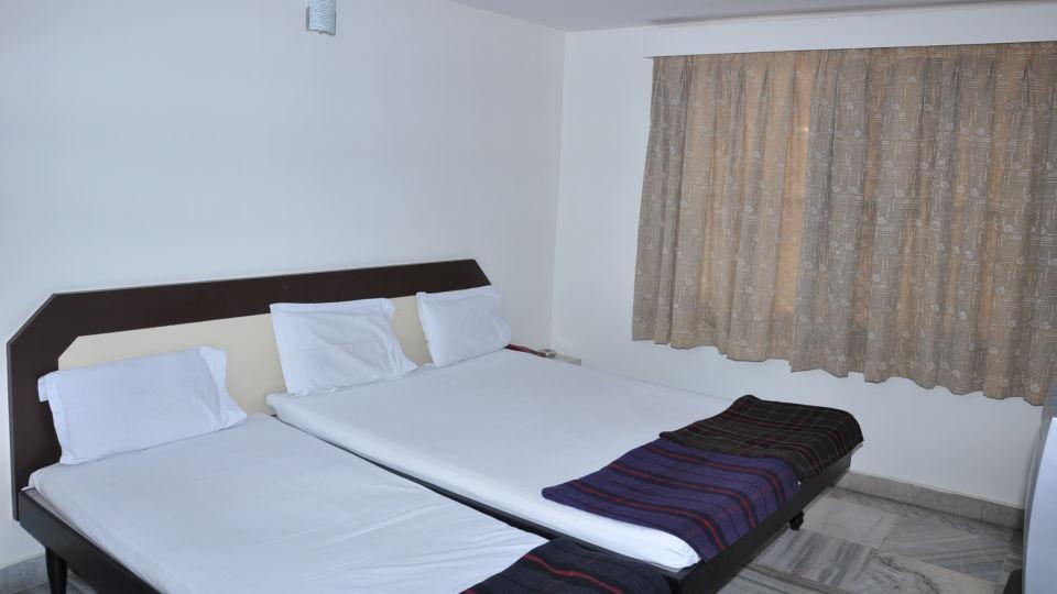 Hotel Maya Deluxe, MG Road, Secunderabad Secunderabad Deluxe Room Hotel Maya Deluxe MG Road Secunderabad 3