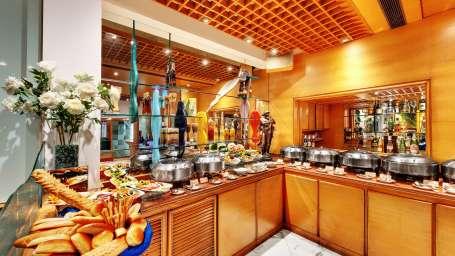Flavors Coffee Shop at The Ambassador Hotel Mumbai  - 24 Hour Coffee Shops Near Churchgate