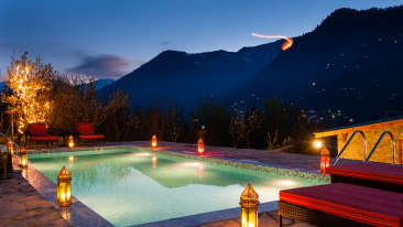 Pool Area at Larisa Mountain Resort in Manali - Manali Resorts