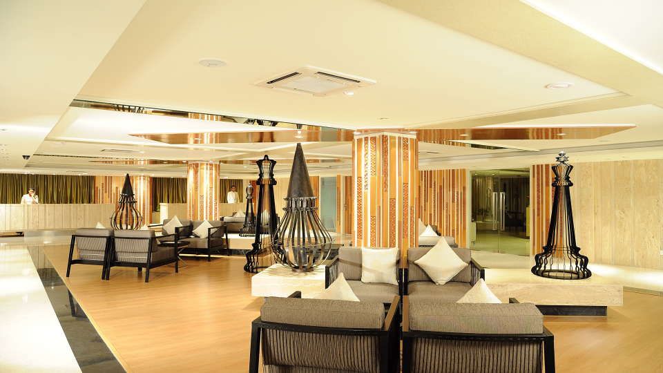 Lobby at Davanam Sarovar Portico Bangalore, Hotels in Bangalore3