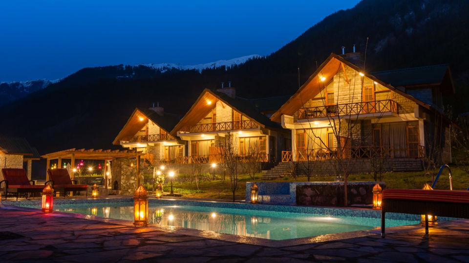 Pool at Larisa Mountain Resort in Manali - Best Resorts In Manali