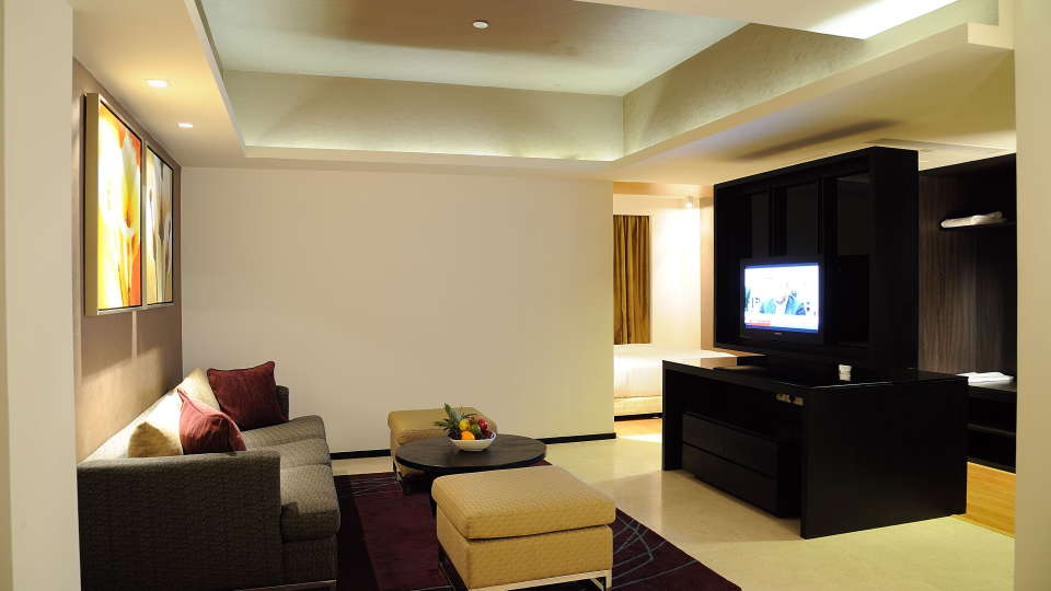 Executive Suites at Davanam Sarovar Bangalore, Hosur Hotels in Bangalore 3