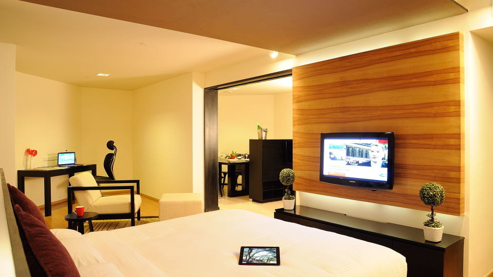 Deluxe Rooms at Davanam Sarovar Portico Bangalore, Best Hotels in Bangalore 3