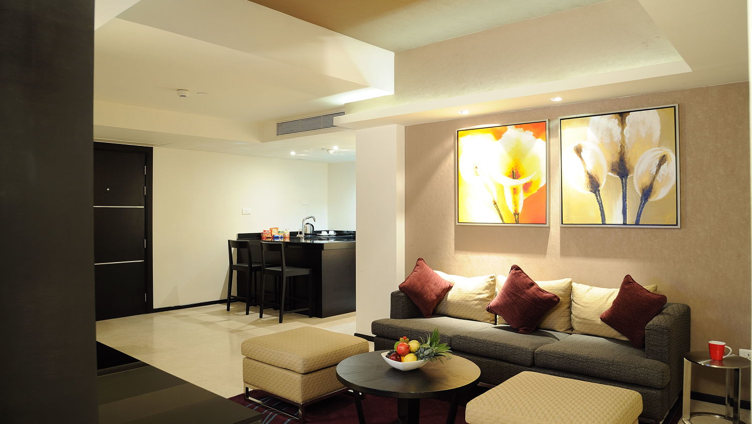 Executive Suites at Davanam Sarovar Bangalore, BestHotels in Bangalore 4