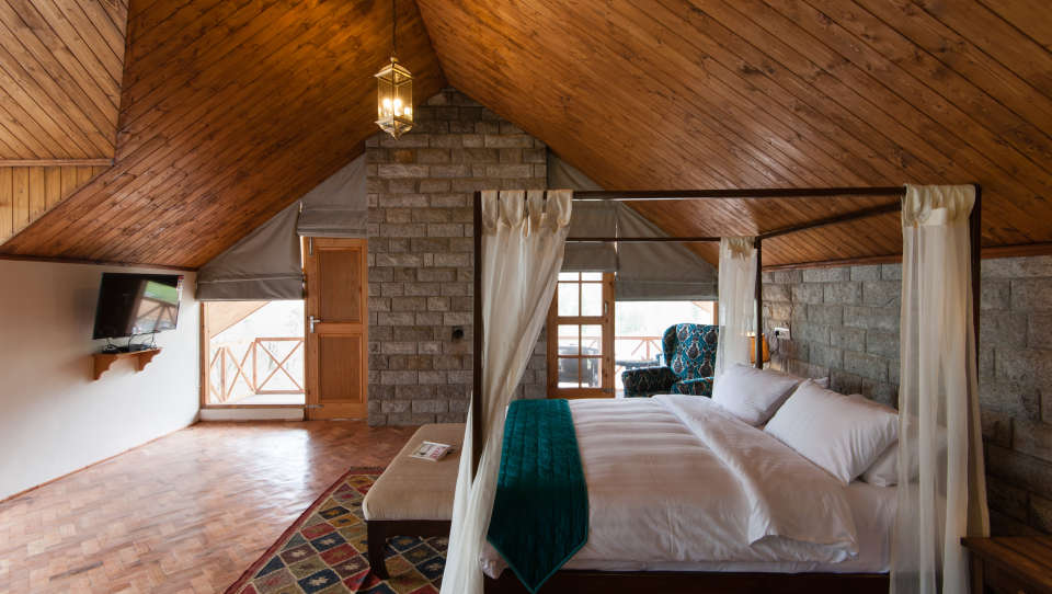 Premier Luxury Suite LaRiSa Mountain Resort Manali 1, Luxury Resorts in Manali