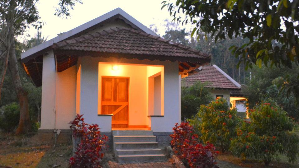 Kadkani Riverside Resorts, Coorg Coorg Deluxe Rooms- Cottage Kadkani River Resort Coorg 6