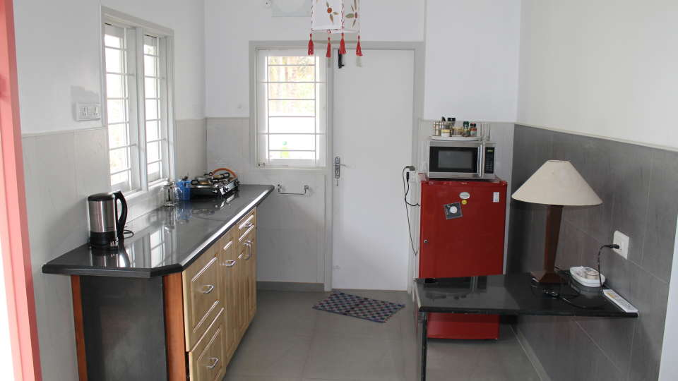 Casa Cottage Hotel, Bangalore Bangalore Casa Milton - Cooke Town - Furnished Apartment - Studio -Kitchen