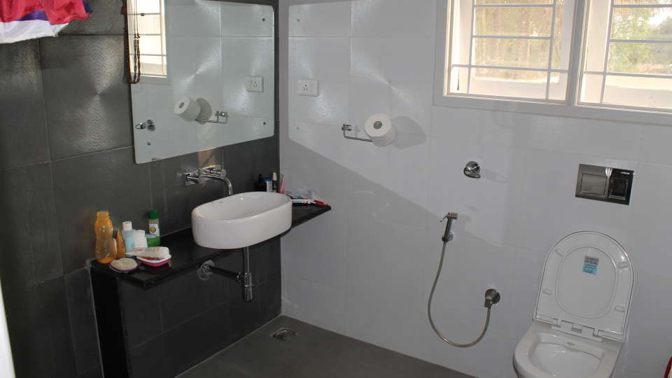 Casa Cottage Hotel, Bangalore Bangalore Casa Milton - Cooke Town - Furnished Apartment - Studio - Bathroom