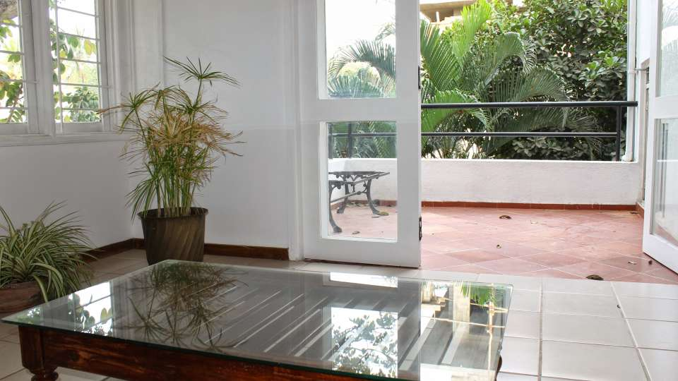 Casa Cottage Hotel, Bangalore Bangalore Casa Milton - Cooke Town - Furnished Apartment 2 BHK - Living Room 2