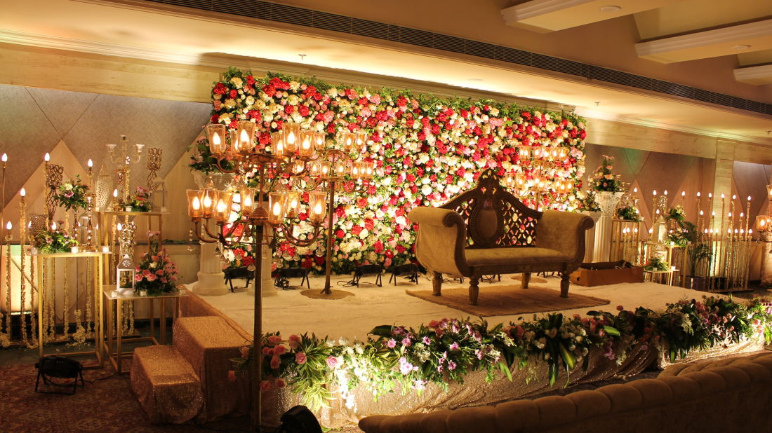 Sunset Hall 6 The Piccadily Lucknow