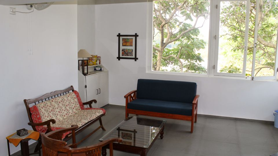 Casa Cottage Hotel, Bangalore Bangalore Casa Milton - Cooke Town - Furnished Apartment 2 BHK - Living Room 3
