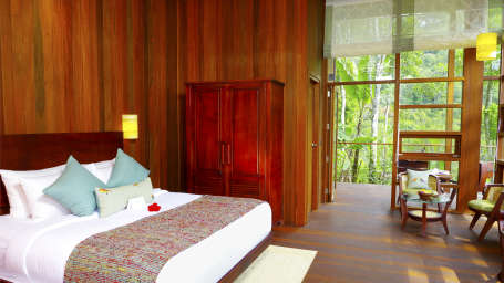 Niraamaya Retreat Aradura Thekkady