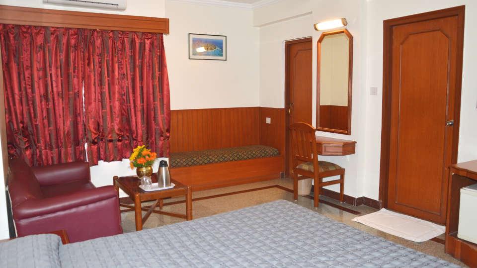 Hotel Chalukya, Bangalore Bangalore Deluxe Executive Room Hotel Chalukya Bangalore 3
