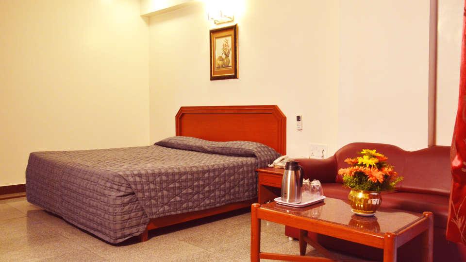Hotel Chalukya, Bangalore Bangalore Deluxe Executive Room Hotel Chalukya Bangalore 5