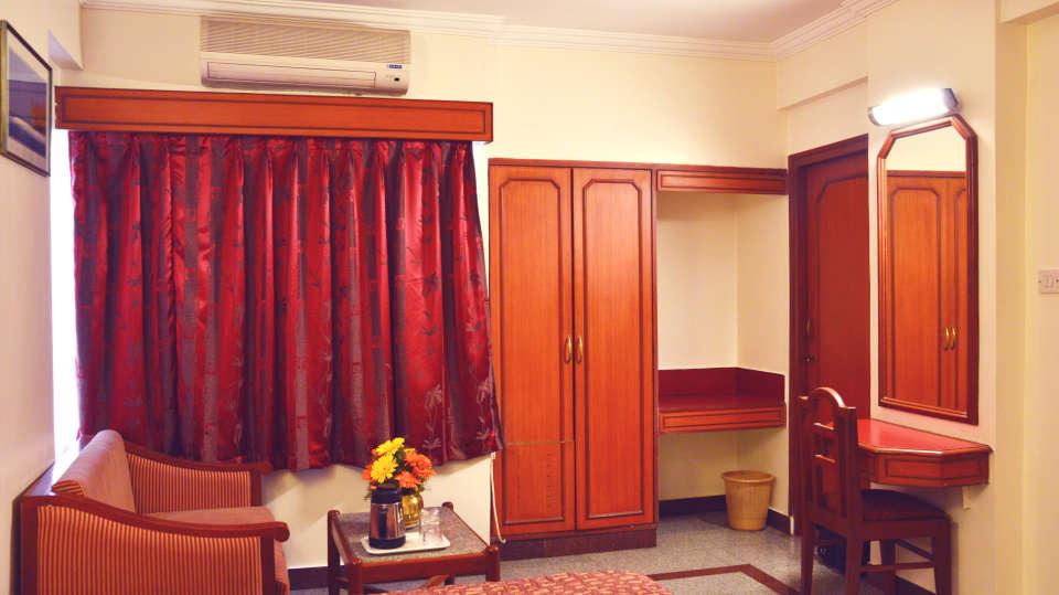 Hotel Chalukya, Bangalore Bangalore Deluxe Executive Room Hotel Chalukya Bangalore 6