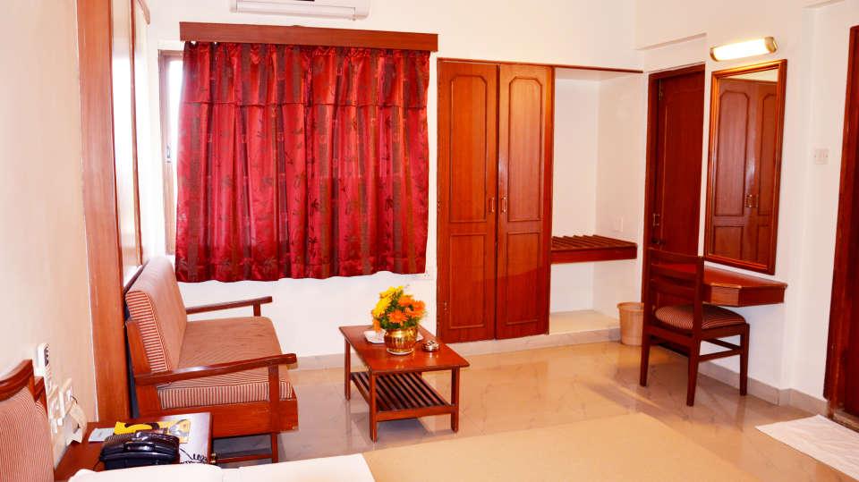 Hotel Chalukya, Bangalore Bangalore Standard Room Hotel Chalukya Bangalore 4