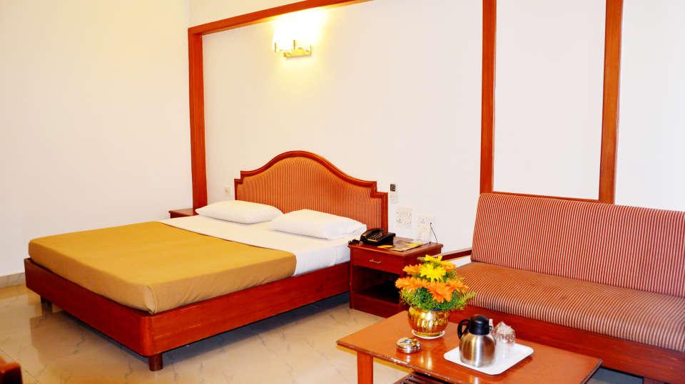 Hotel Chalukya, Bangalore Bangalore Standard Room Hotel Chalukya Bangalore 5