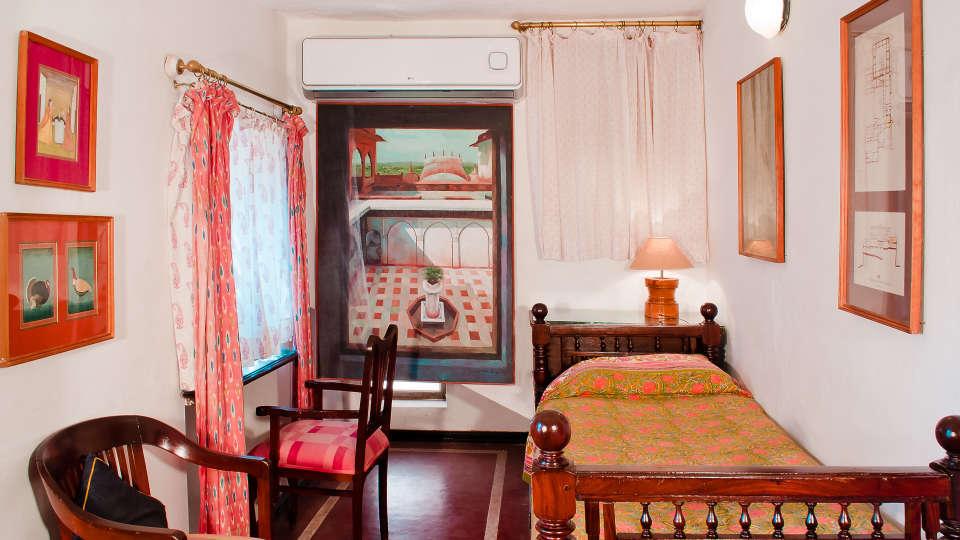Neemrana Fort Palace Neemrana Tulsi Mahal Hotel Neemrana Fort Palace Neemrana Rajasthan 2