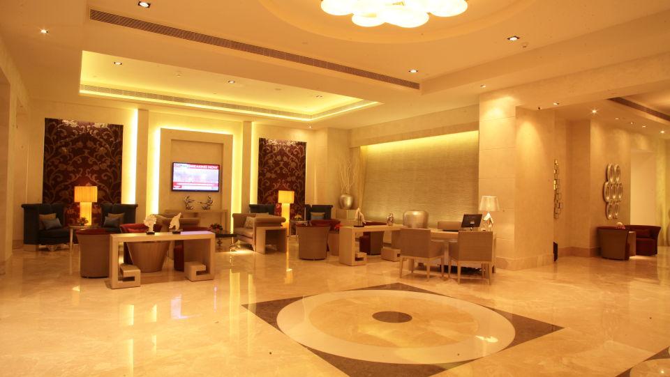 Reception Lobby Radisson Hyderabad Hitech City Hyderabad 5