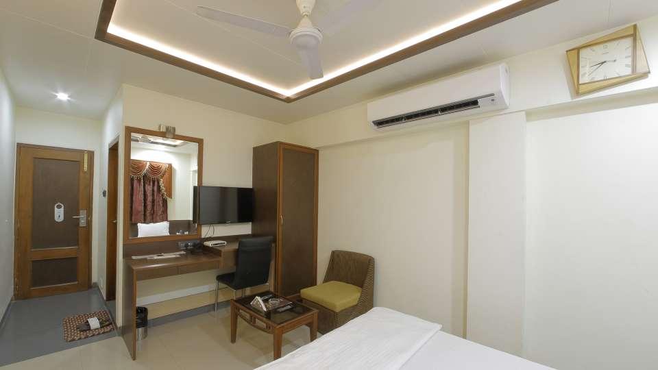 Hotel Summit, Ahmedabad Ahmedabad  T8 1776