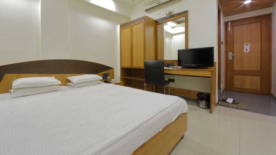 Hotel Summit, Ahmedabad Ahmedabad  T8 1753