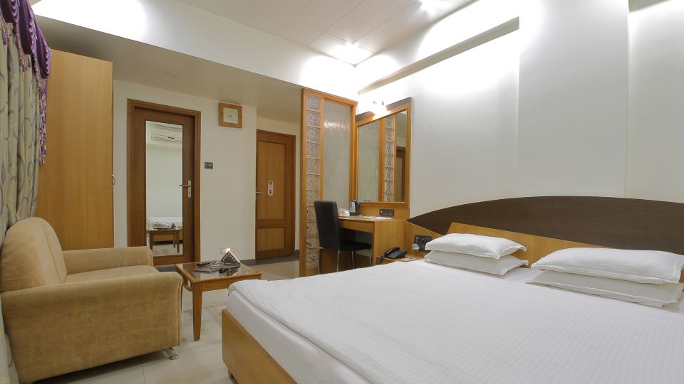 Hotel Summit, Ahmedabad Ahmedabad  T8 1759