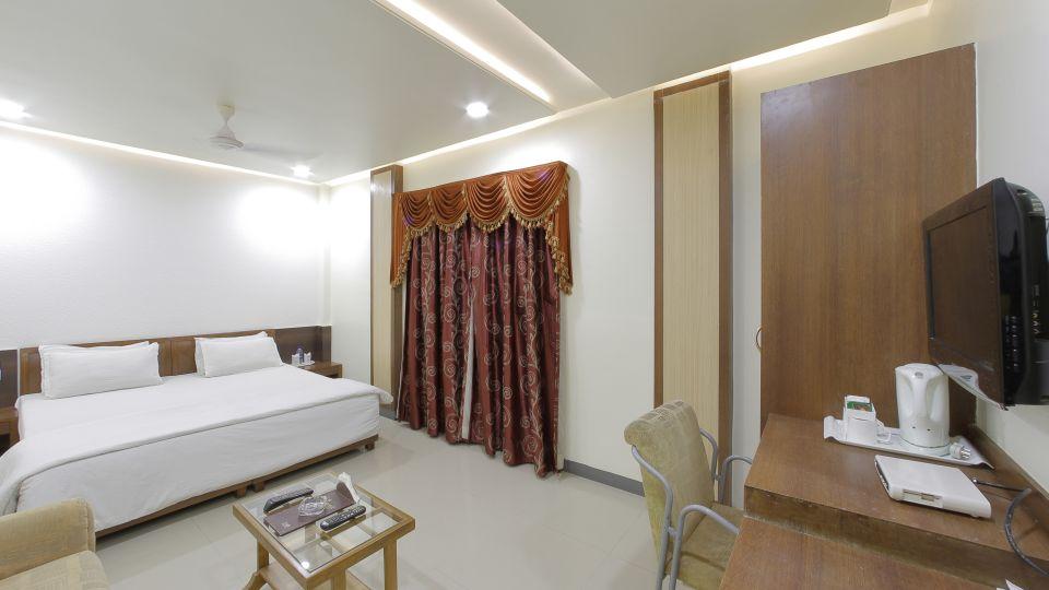 Hotel Summit, Ahmedabad Ahmedabad  T8 1778