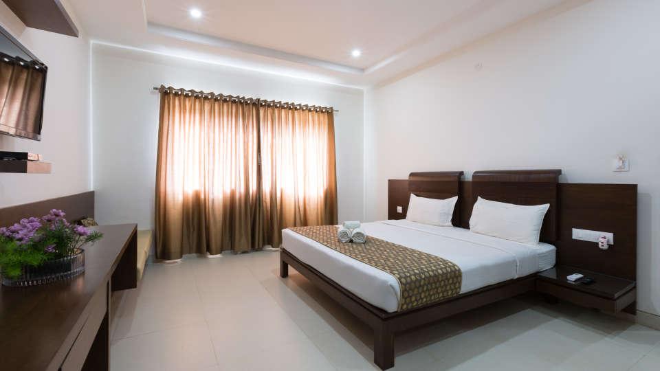 The Sanctum Suites, Bangalore Bangalore Premium King Room 2 The Sanctum Suites Bangalore