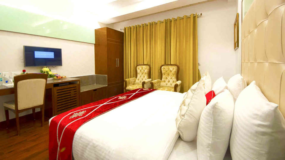 Hotel Swaran Palace, Karol Bagh, New Delhi New Delhi Executive Club Room Hotel Swaran Palace Karol Bagh New Delhi 2