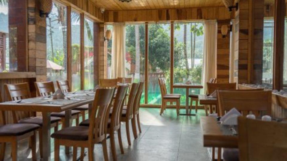 black lemon restaurant, resort in swaraj dweep, coral reef resort havelock