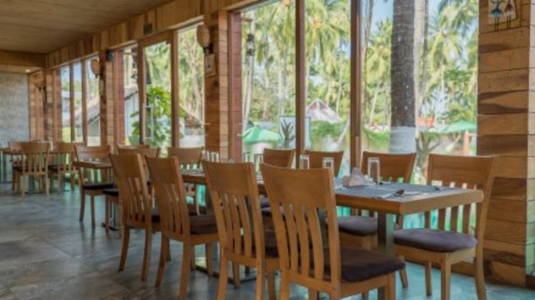 black lemon restaurant, coral reef resort, hotel in havelock island