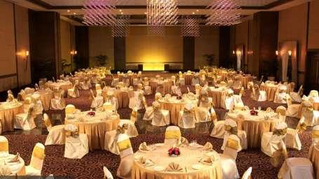 The Retreat Hotel and Convention Centre, Malad, Mumbai Mumbai Convention Centre1 The Retreat Hotel and Convention Centre Malad Mumbai