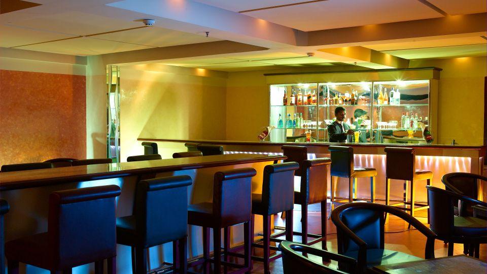 Cheers Bar Classic Sarovar Portico Thiruvananthapuram