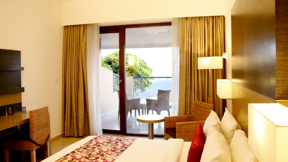 Poetree Sarovar Portico, Rooms at Hotels in Kerala, Thekkady resorts 5