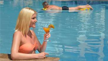 Pool, Phoenix Park Inn, Goa - A Carlson Brand Managed by Sarovar Hotels, goa resorts near candolim 1