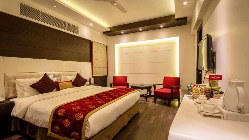 Executive Room Grand Godwin New Delhi 2